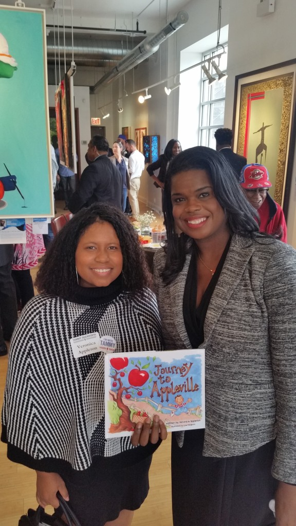 veronica-with-illinois-state-attorney-kim-foxx